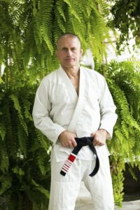 Steve Maxwell is a Master Personal Trainer, Brazilian Jiu-Jitsu black belter, and High Intensity Training Expert