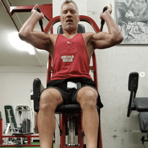 Ad Ligtvoet on a Shoulder Press